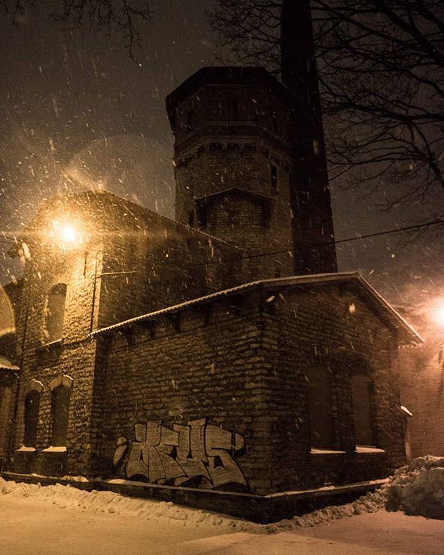 #abandoned #abandonedhospital #urbanphotography #laternamatk #photography #photographer