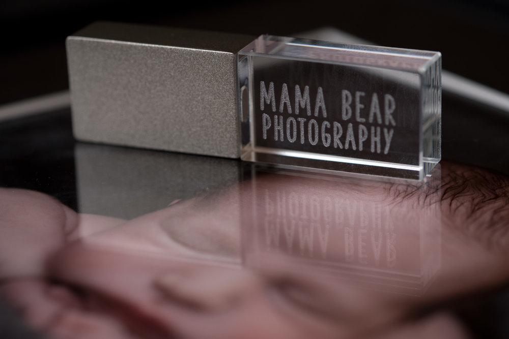Newborn-Photography-Lincoln-Mounted-images-in-a-luxury-box-with-display-frame-007.jpg