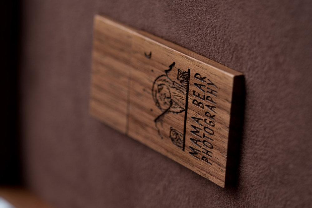 Newborn-Photography-Lincoln-Wooden-Keepsake-Box-For-Prints-003.jpg