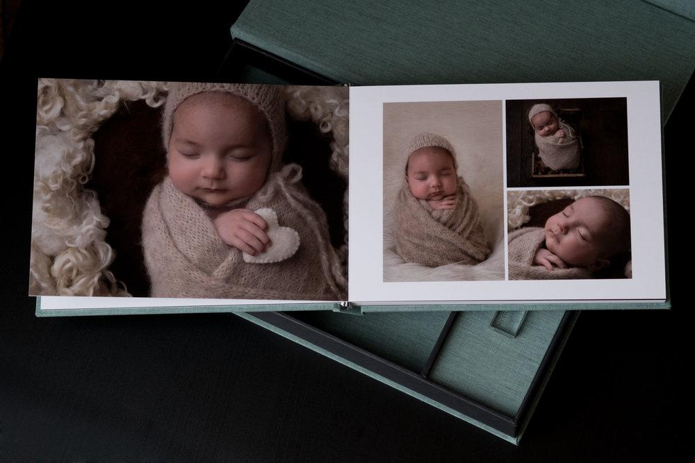 Newborn-Photography-Lincoln-A5-Album-and-USB-Set-006.jpg