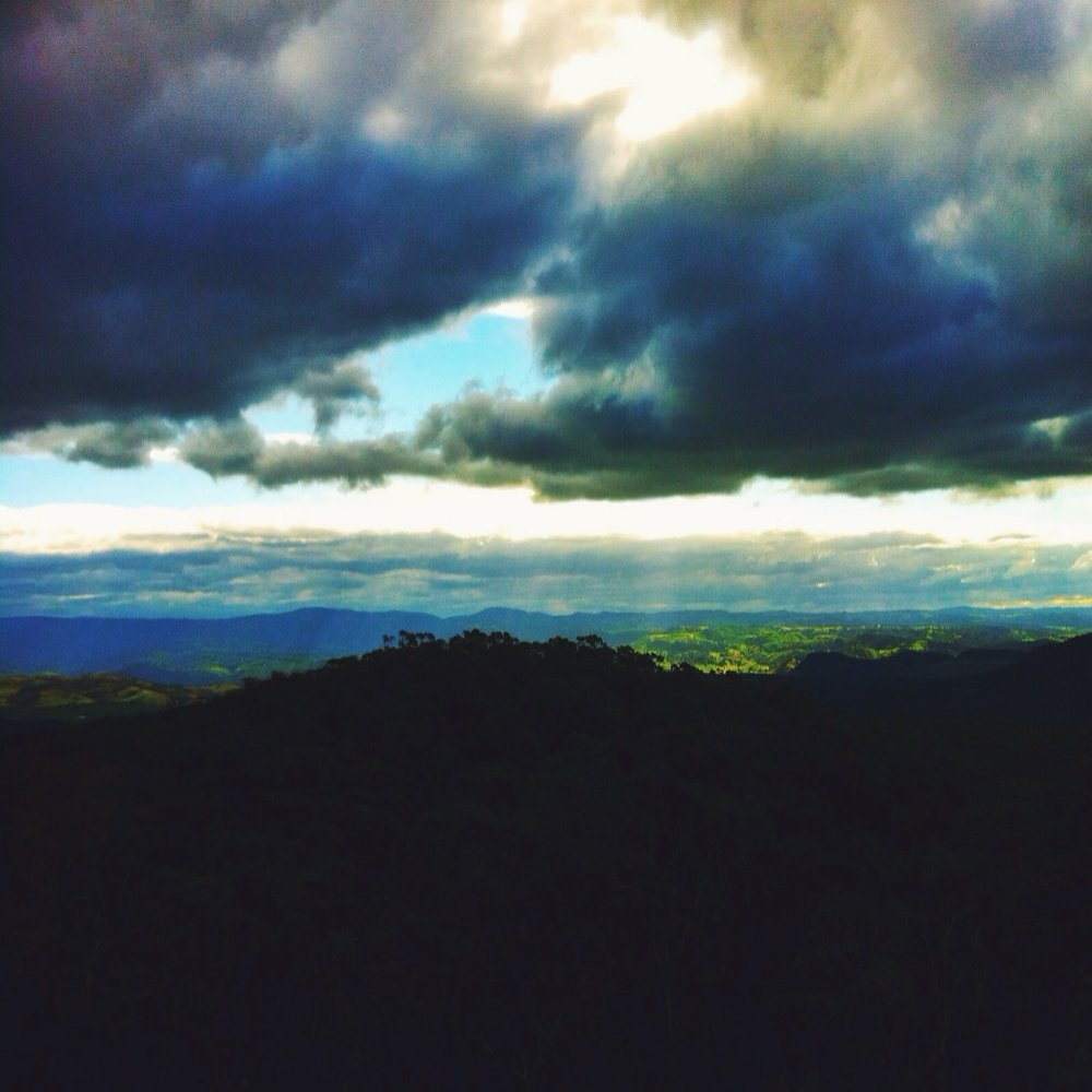 Sun setting over the rolling hills in the Blue Mountains.