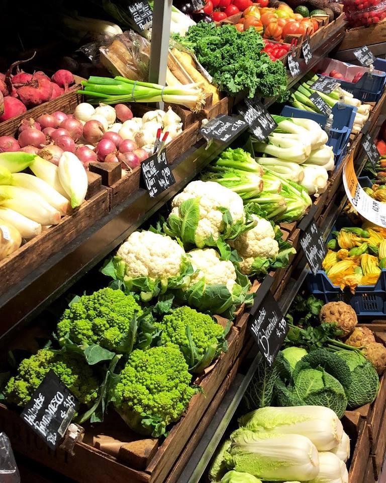 Veggie scene at Organic For You.