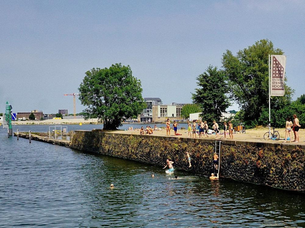 Quay at Stenen Hoofd.