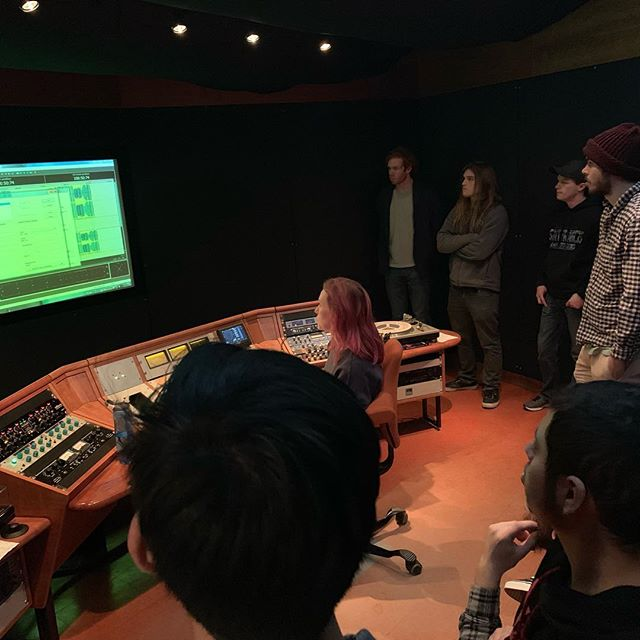 Fantastic and exciting day! Our Music Tech Mastering Students visiting @chicagomasteringservice and the amazing Maggie @livesfordynamics who will be cutting the vinyl lacquer for the @rosalindandtheway vinyl!!! Stay tuned! #vinyl #makingrecords #vinylalltheway #usffw #usffwsoca #usfmusictech