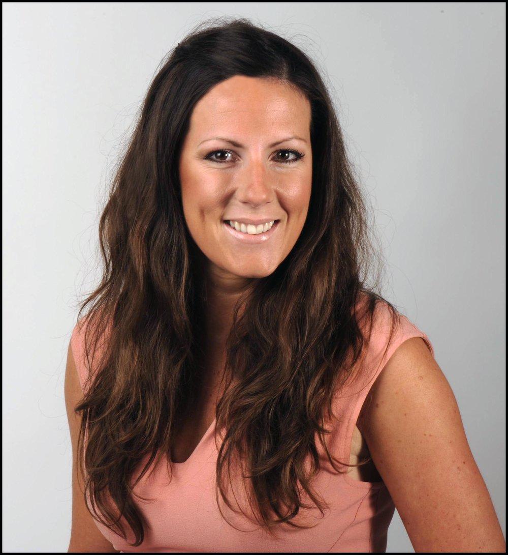 Award-winning financial journalist Holly Thomas