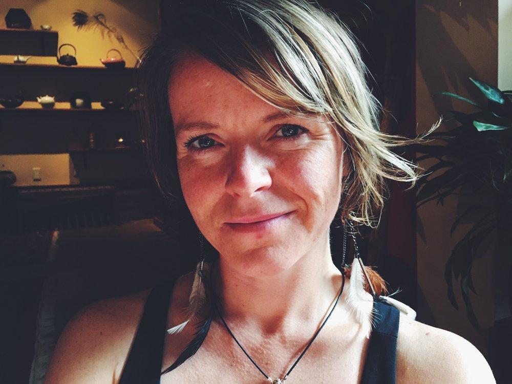 Suzanne Astar.jpg