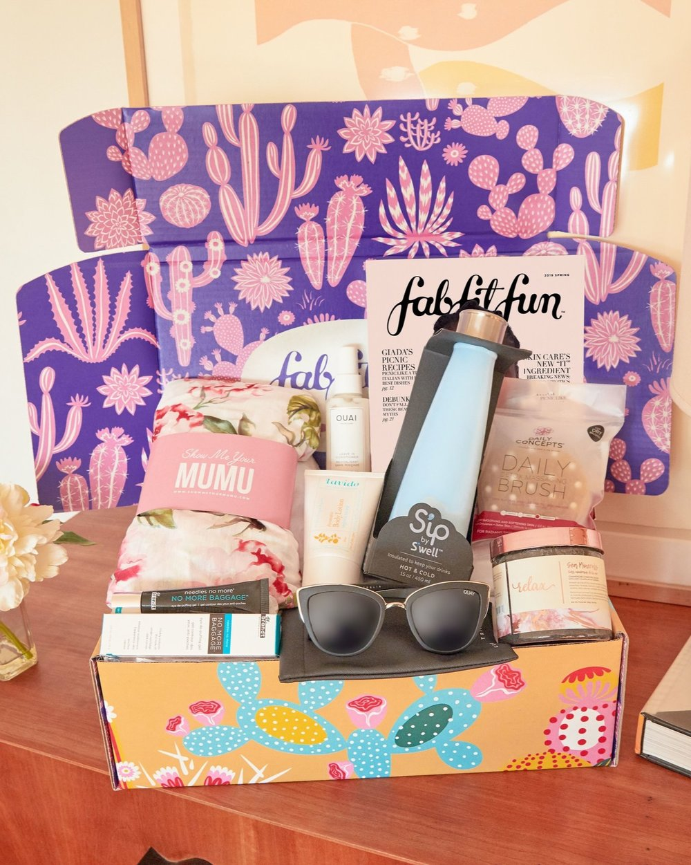 FabFitFun - Do you love wandering the aisles at your fave makeup store, tossing new products in the basket, yelling TREAT YO' SELF? FabFitFun is like that except the full-size, premium products are sent directly to you once per season.