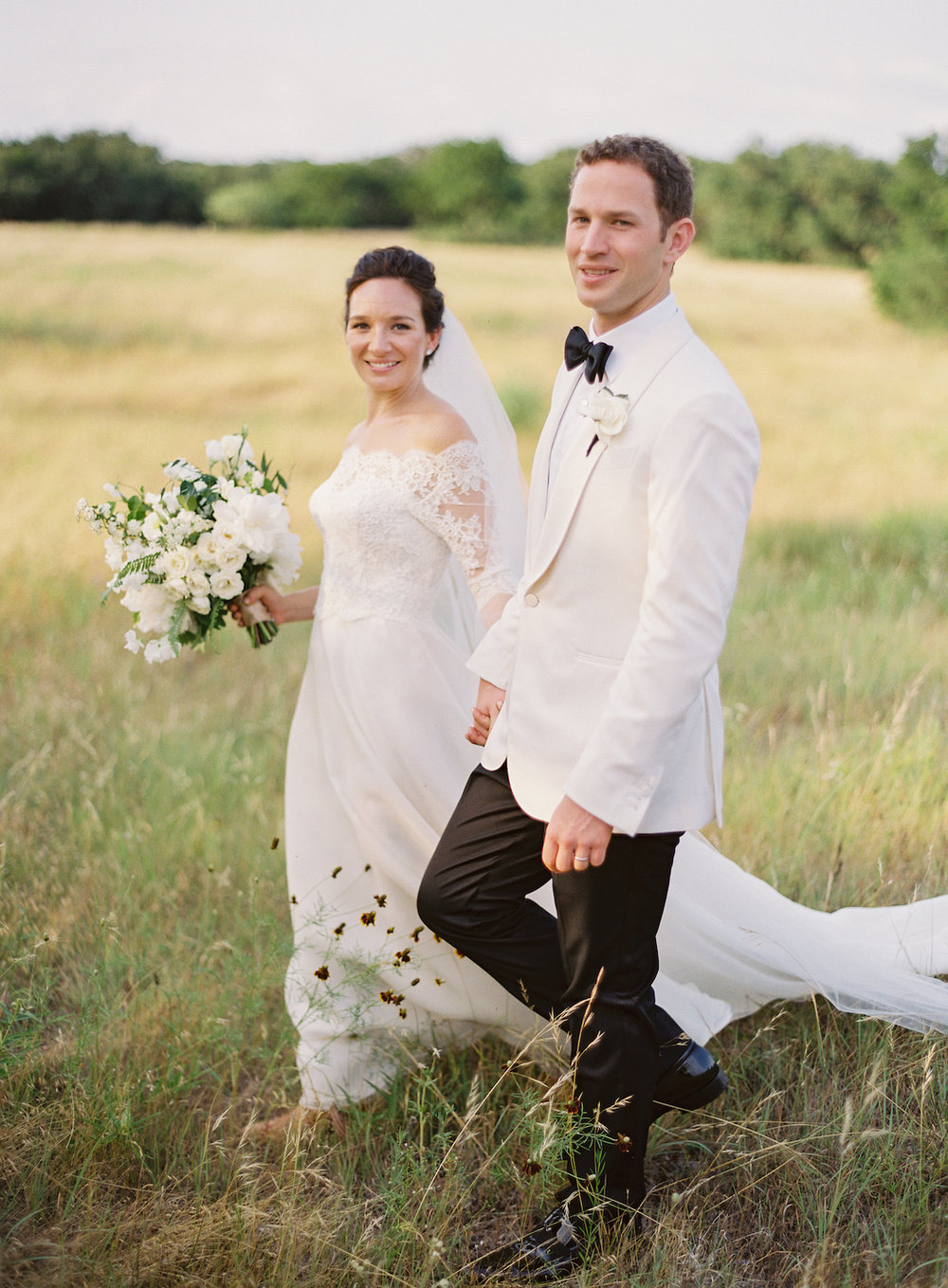 rosehip_flora_marissa_wedding_brett_heidebrecht_photography_lady_bird_wildflower_center_14.jpg