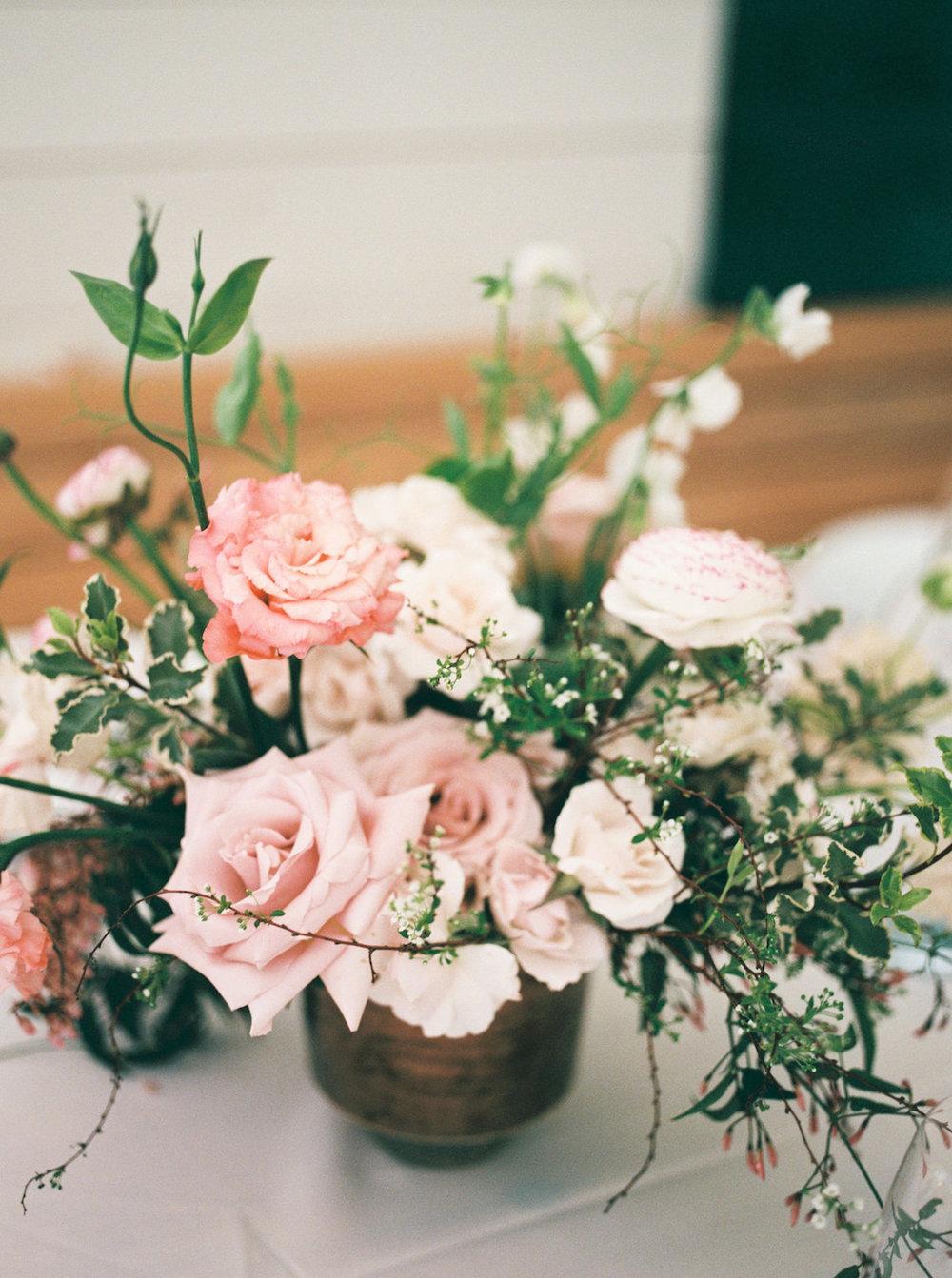 rosehip_flora_bethany_wedding_featherandtwinephotography_prospect_house_16.jpg