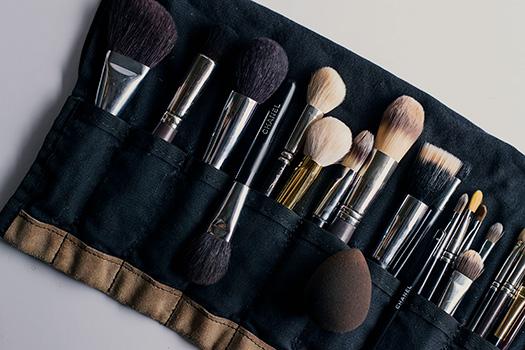 makeup artist black brush belt
