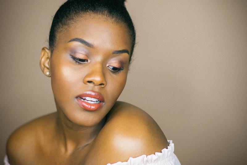 black woman beauty blogger dark skin
