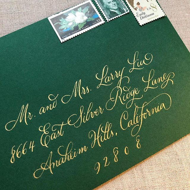 My weekend was green and gold and I'm not complaining. 💚✨ . . . . . #savannahcalligraphy #savannahcalligrapher #moderncalligraphy #moderncalligrapher #envelopecalligraphy #georgiacalligrapher #georgiawedding #greenandgold #weddinginvitations #envelopecalligraphy #envelopeaddressing #goldletters
