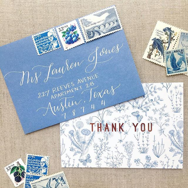 Is it just me, or does anyone else still send thank you notes? 🤷‍♀️ . . . . . . #savannahcalligraphy #savannahcalligrapher #moderncalligraphy #moderncalligrapher #envelopecalligraphy #georgiacalligrapher #georgiawedding #lowcountrywedding #calligraphy #thankyounotes #handlettering