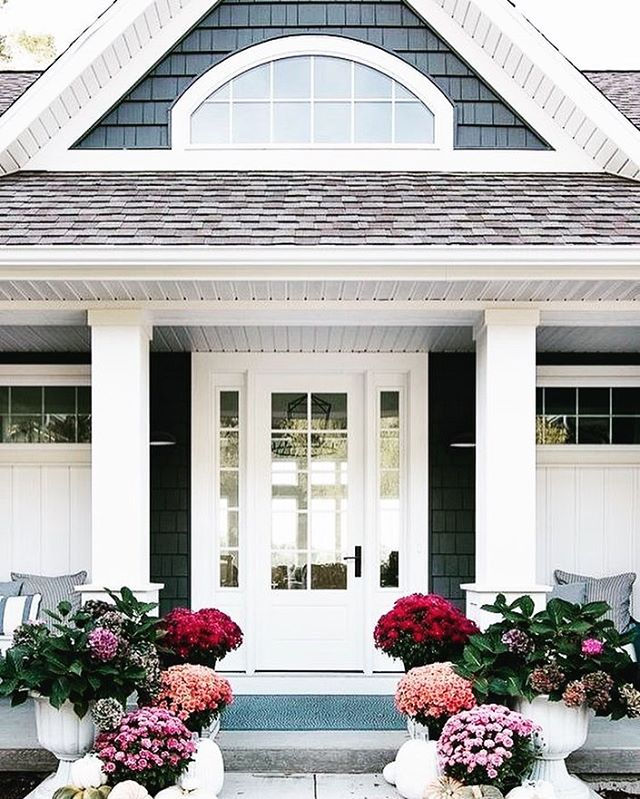 The outside of your home is the first thing most potential buyers see - and we all know how important first impressions are.⠀ ⠀ Investing in a few pots of flowers and touching up the landscaping is a great way to get people excited about seeing what's inside!⠀ ⠀ Get more tips on our blog - link in bio! #corere