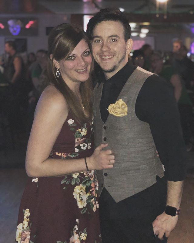 Mom said we both looked cute. So we had her take a photo of us.  Amazing time shooting a wedding and having this hottie (@heatha.87) as my date after was great as well.