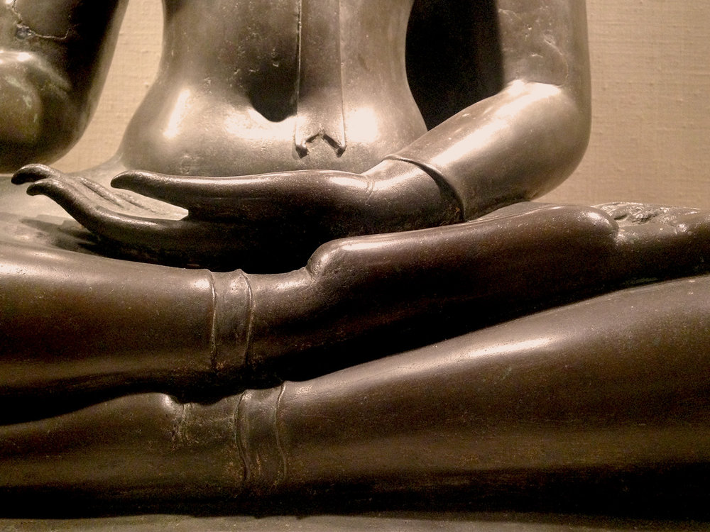 Buddha meditating hands