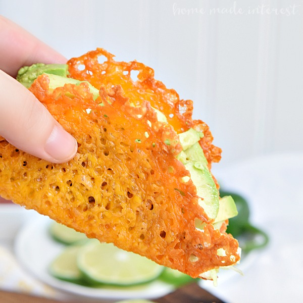Low-Carb-Taco-Night-with-Cheese-Taco-Shells_close-up-on-taco-shell.jpg