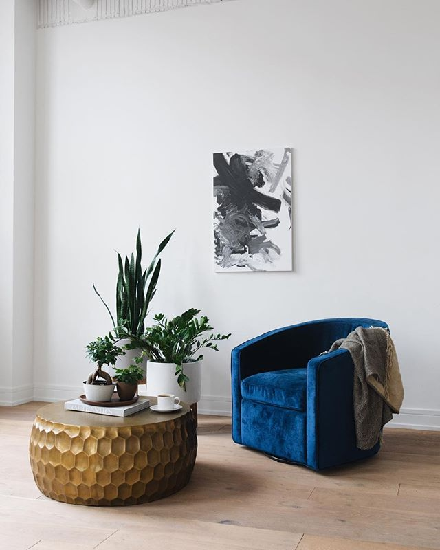 GIVEAWAY. Hardly anything is more inspiring or creatively energizing than a beautiful space—that's why we created The Frances. And we are so thrilled with our Alice chair from @interiordefine that we want to give away one in the fabric of your choice (so that you can add to the beautiful space in your life!) To enter:  1. Follow @thefranceschicago and @interiordefine 2. Tag a friend in the comments below (extra tags=extra entries!) The giveaway ends on Sunday at 11:59pm CST, and a winner will be randomly selected and announced on the following Monday.