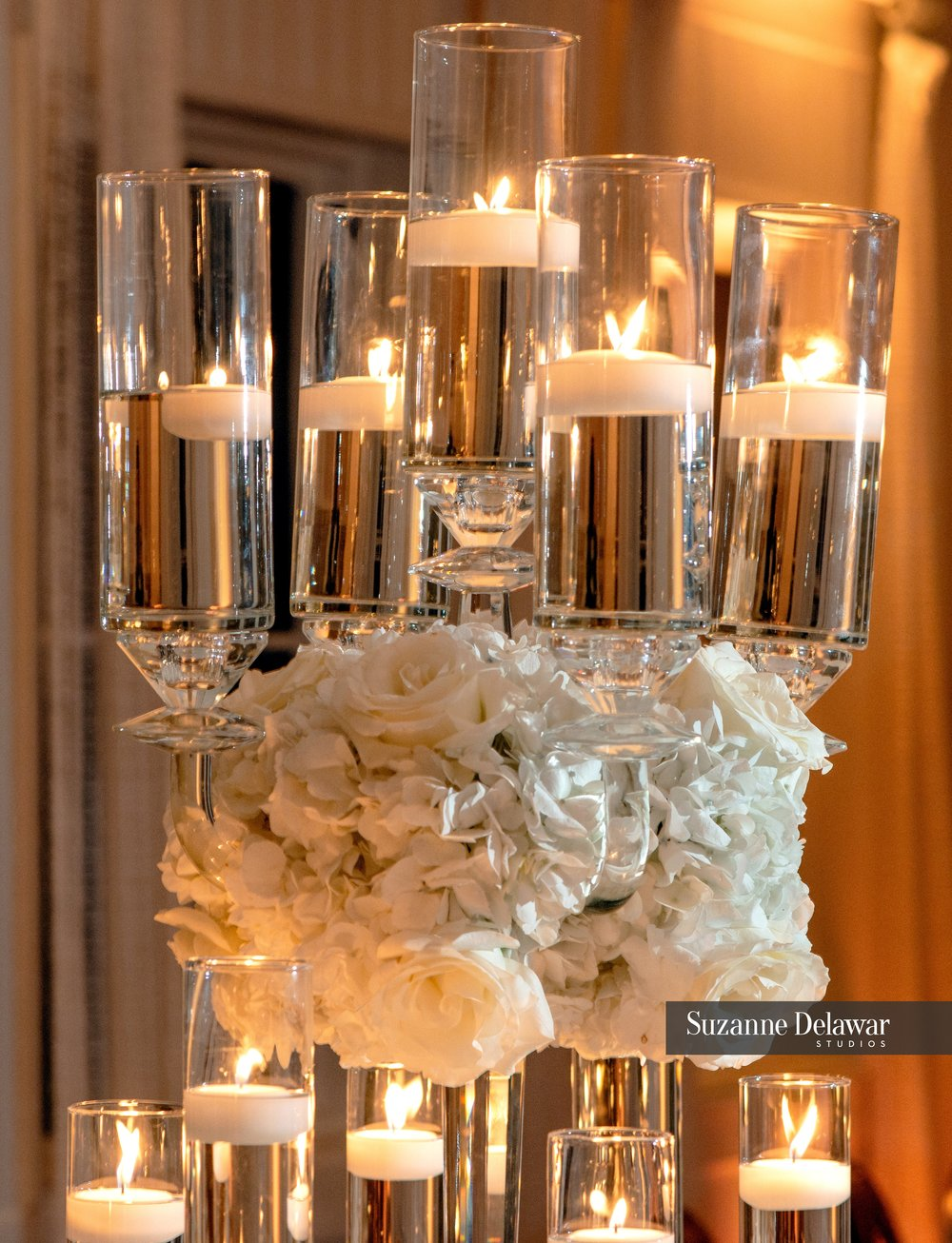 Seagate Beach Club__candle and floral centerpieces_wedding reception.jpg
