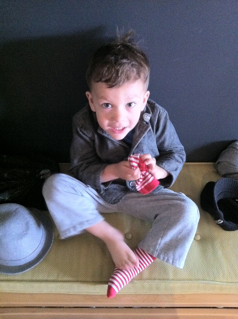 acorn_autism_auckland_newzealand_therapy_services_taking off socks.jpg