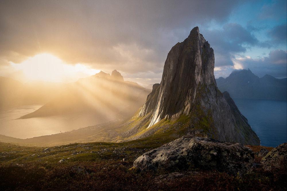 Segla Norway Senja island light rays
