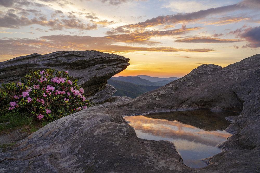 hawksbill mountain blue ridge mountains North Carolina linville gorge