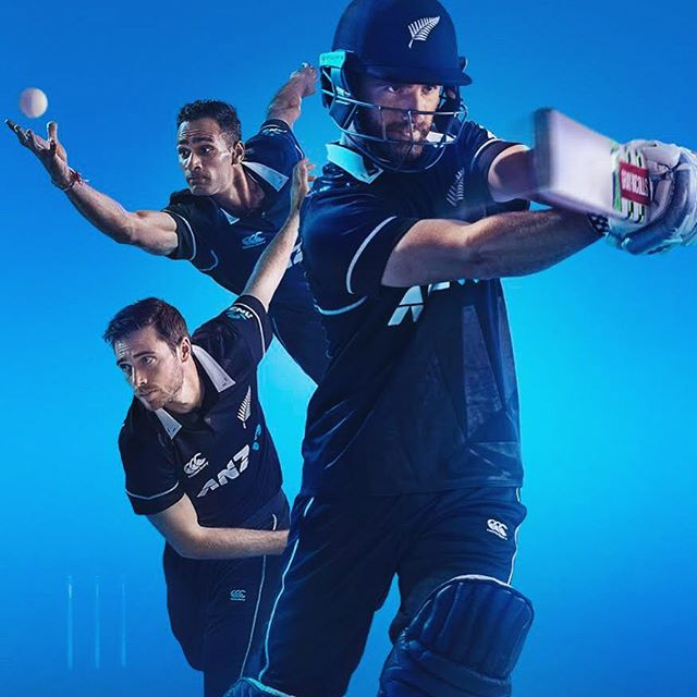 As per many campaigns... The shoot happens long before prints are released.  So much so that I almost forget about them until they surprise me on an adshell / billboard.  Always exciting to see the final product out in the world 🌍  This was a fun shoot with @blackcapsnz @kane_s_w @tim_southee and @jerryraval for @poweradenz . The boys did a great job of running through different actions and poses that would work in a compressed format. . @nathanchambersnz  @ogilvynz  @485design  @cocacolanz . . #cricket #nz #blackcaps #photoshoot #summer #season #newzealand #sport #captain #star #studio #session #profoto #lighting