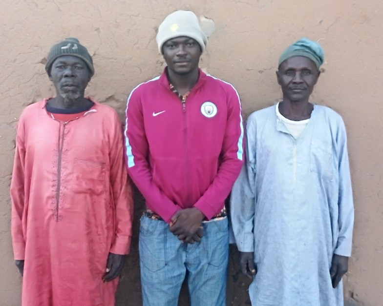 Mark Nuhu with Community leaders of Lawishi, Gombe state