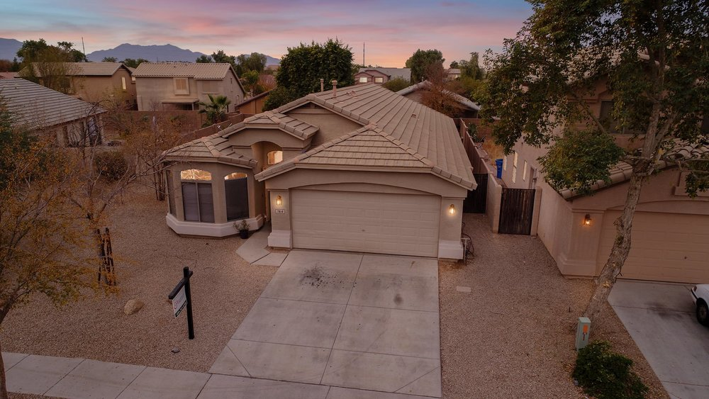 RESIDENTIAL REAL ESTATE - We will show you how to create outstanding aerial photos for residential real estate that will make you and your clients homes stand out on the market.