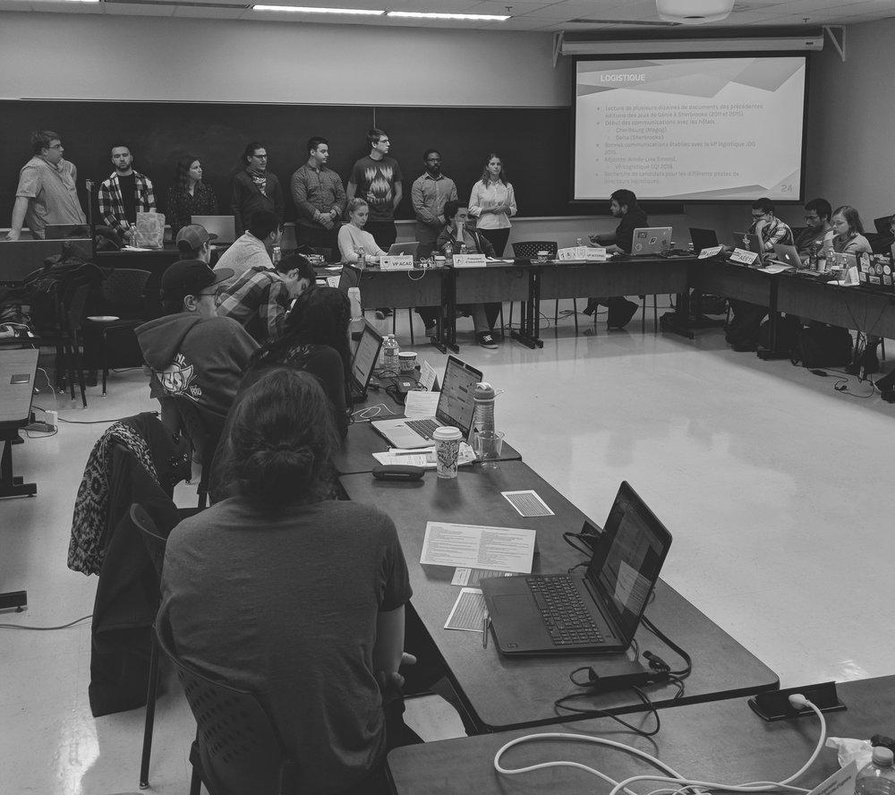 Notre mandat - La Confédération pour le rayonnement étudiant en ingénierie au Québec a pour mission de protéger, défendre et promouvoir les intérêts de nos membres. Que ce soit sur les plans académique, pédagogique, social et culturel, la CRÉIQ veille au bien-être et à l'épanouissement des étudiants et étudiantes en ingénierie. De plus, la Confédération représente leurs intérêts et leurs préoccupations auprès d'acteurs clés tels que l'Ordre des Ingénieurs du Québec et le Conseil des doyens en ingénierie du Québec.Pour en savoir davantage