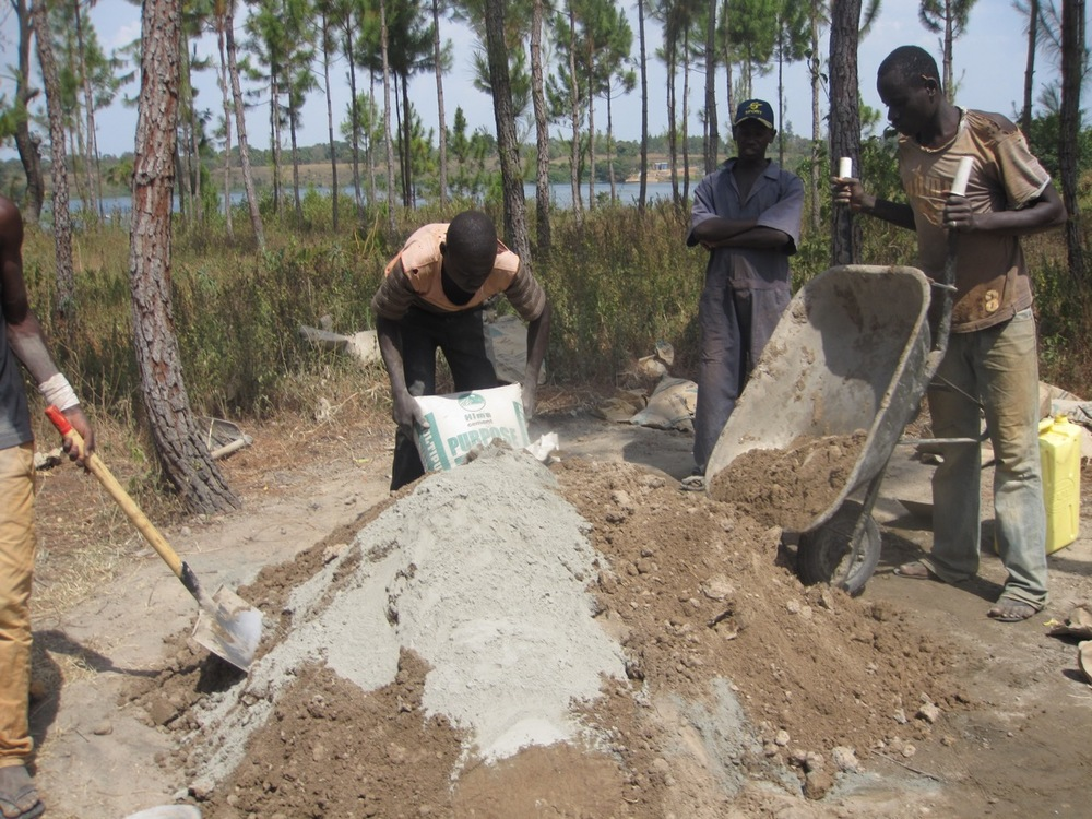 Mixing mortar by hand