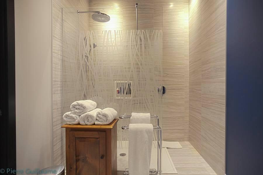 rudesign-la-caserne-salle-de-bain-4.jpg
