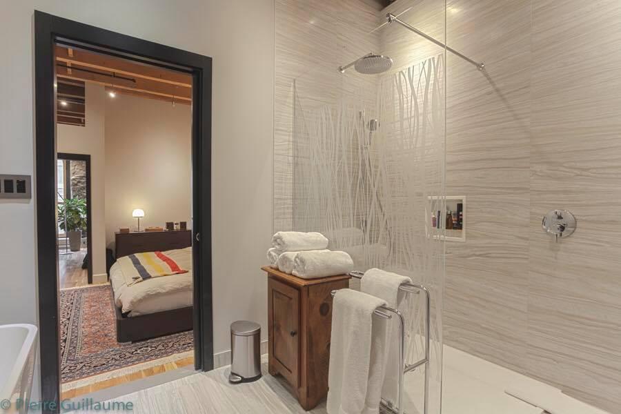 rudesign-la-caserne-salle-de-bain.jpg