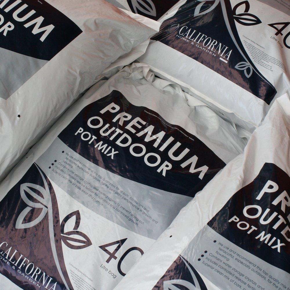 California Premium Pot Mix 40L2 for $29 -