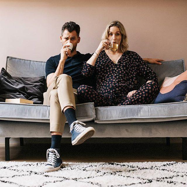 Op een jaar met heel veel mooie, gekke en liefdevolle momenten! Dat we het gesprek met elkaar aan gaan, tijd nemen om af en toe lekker helemaal niets te doen en vooral op zoek blijven gaan naar hetgeen dat ons inspireert ☺️ En ja, ik schrijf m'n voornemens graag in de wij-vorm en nee, m'n voornemens zijn niet 1 januari-gebonden! 😎 Heerlijk 2019 iedereen! 🎉 . . . #coupleshoot #portrait #light #indiependentmag #somewheremagazine #portbox #thinkverylittle #dreamermagazine #authenticlovemag #lookslikefilm #belovedstories #trouwenin2019