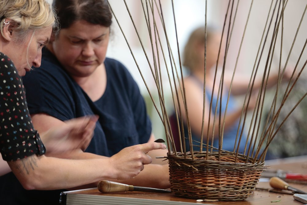 Sue Kirk - Talented Willow sculpture creates stunning wicker birds, animals, garden baskets and spheres here at 'The Lodge'