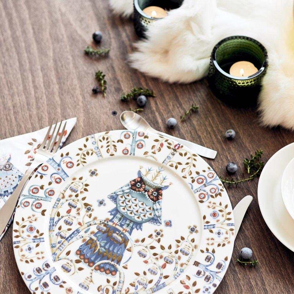 28. 10. 2018Styling Workshop: Prostřený stůl s Arki - U krásně prostřeného stolu chutná mnohem lépe! Překvapte rodinu a přátele a prostřete jinak, neotřele, svěže. Na našem workshopu se naučíte, jak prostřít k různým příležitostem, jak doplnit staré kousky novými, jak ladit barvy a vzory. Kromě rad a tipů si od Arki i od Soffa odnesete dárek!—od 13 hod. | Canapé: Design Apartment by Soffa | 990 Kč, kapacita 10 lidí | Facebook