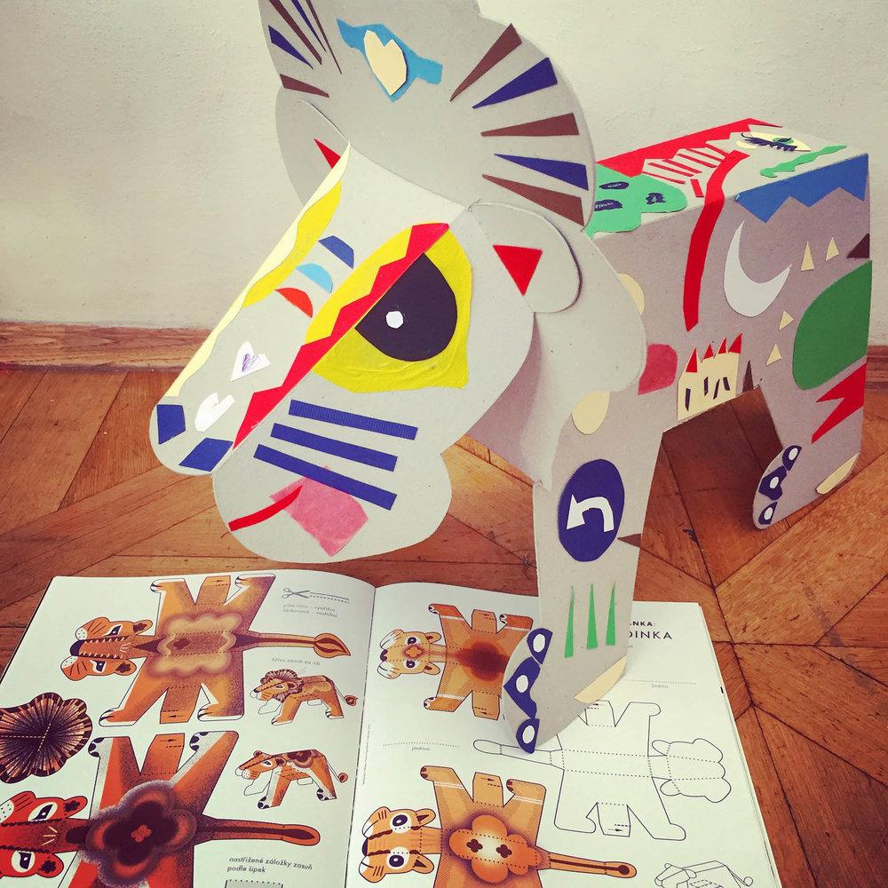 4. 11. 2018Raketový lev - Workshop pro děti i jejich rodiče k poslednímu číslu časopisu Raketa na téma Rodina.Přijďte si vyrobit, ozdobit a hřívou opatřit svého vlastního 3D lva.11 – 13 hod. | Canapé: Škola – půdaFacebook