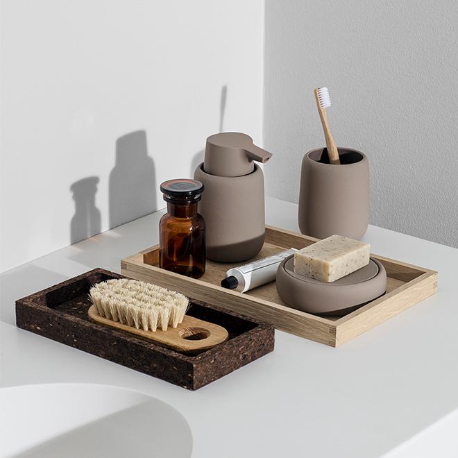blomus-borda-sono-fuado-bathroom-accessory-earthy.jpg