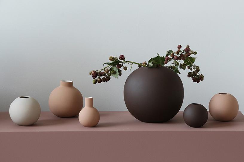 cooee-design-ceramic-ball-vase-terracotta-coffee.jpg