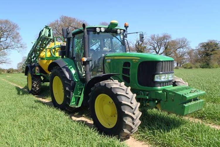 tractor_t752.jpg