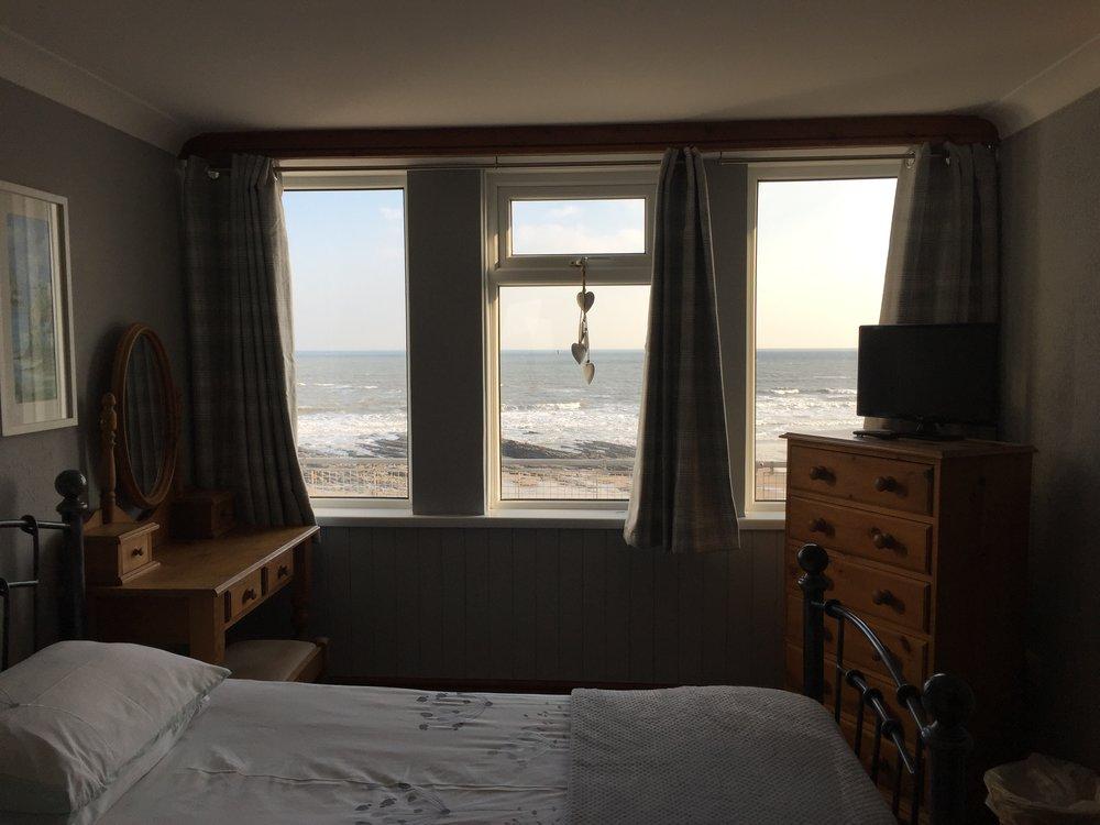 Wisemans Bridge Inn | Waterfront Apartment One