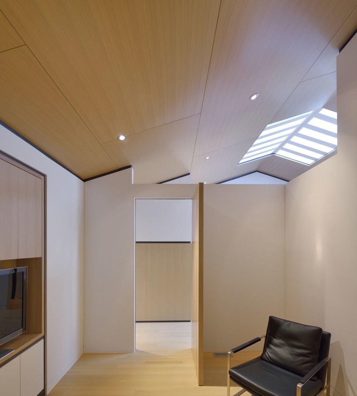 Abenbare House Interior Guest Room