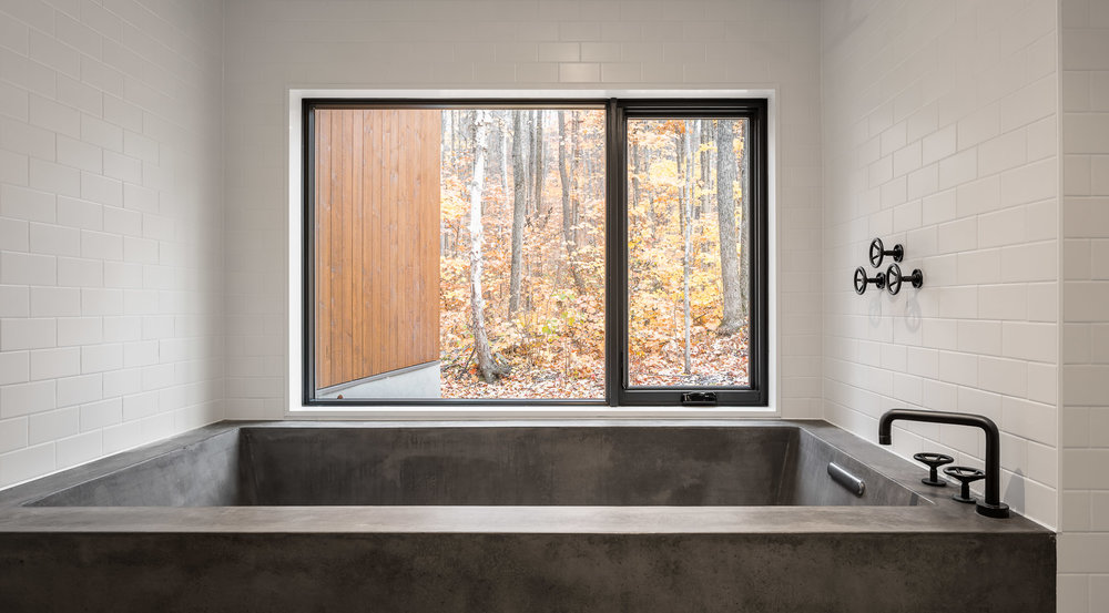 Oblong Lake Interior Bath