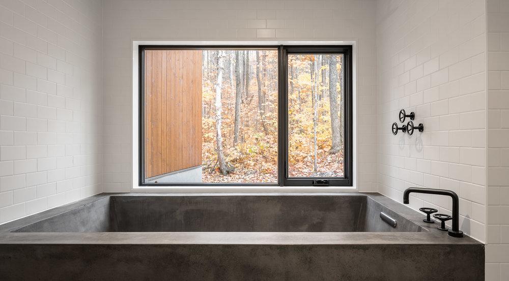 Oblong Lake Interior Bathroom