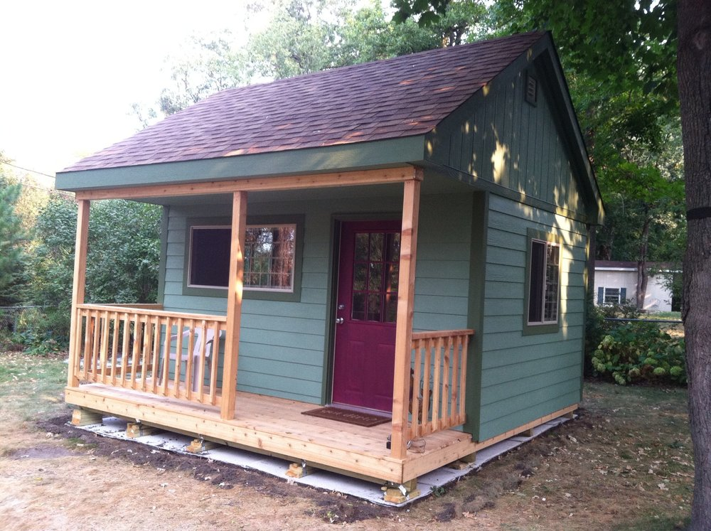 14x14x13 Gable Deluxe w/ Porch