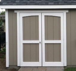 Archtop Doors come standard on Gable Deluxe model