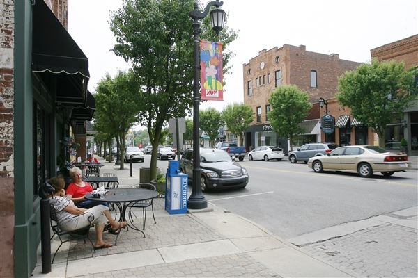 Downtown-Sylvania-variety-shops-layoffs.jpg