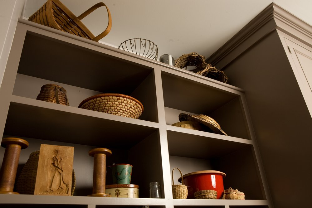 kitchen storage.JPG