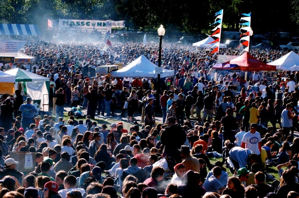 4:20 pm at the 2009 Boston Freedom Rally